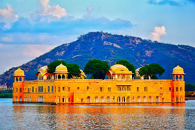 Vibrant Golden Triangle Tour